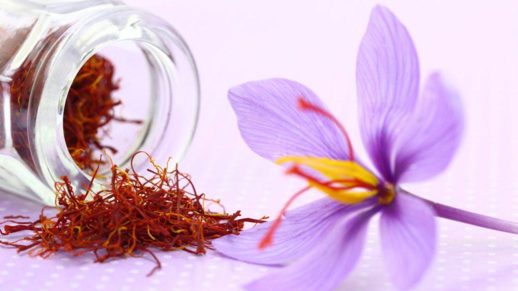 مصرف زعفران برای چه کسانی مضر است